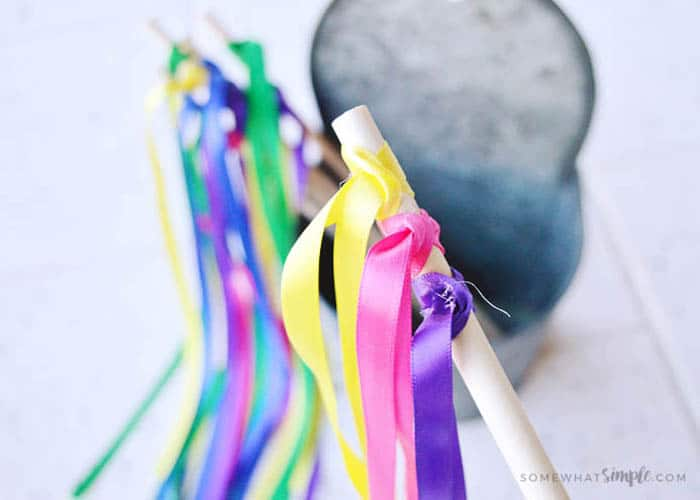 easy to make ribbon wands for kids