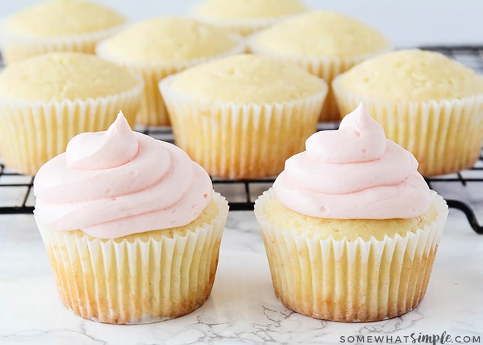 easy how to frost a cupcake
