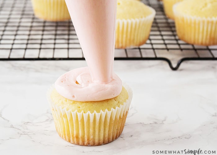 easy cupcake frosting tips