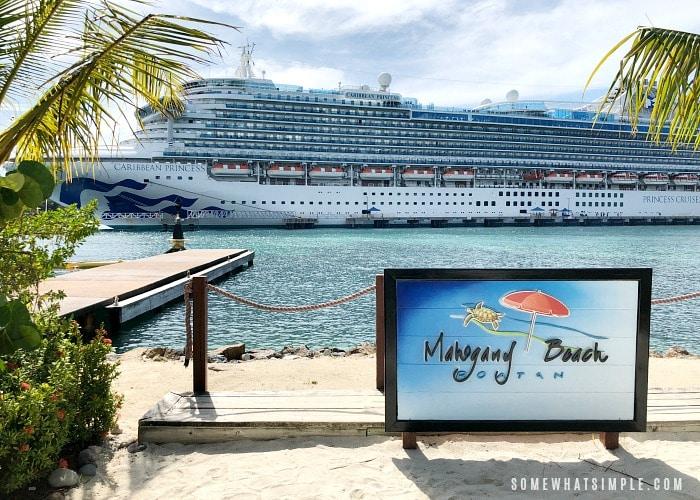 Mahogany Beach Honduras is a fun place to relax in Roatan