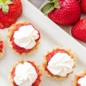 mini strawberry pies