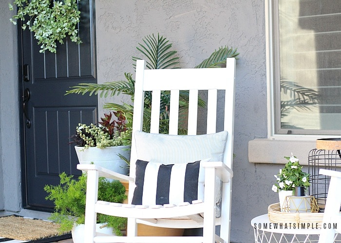 Our Front Courtyard – Decorating Ideas