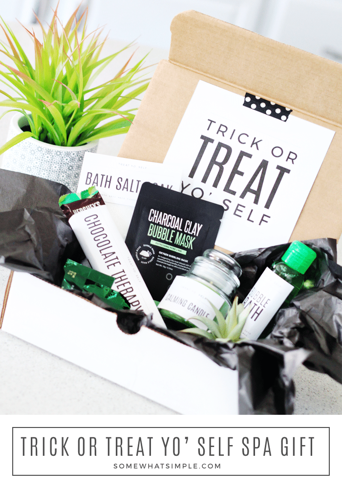 This Trick Or Treat Yo'Self Relaxation Gift Basket Is The Perfect Pick-Me-Up This Halloween Season! Whether You Leave It On Their Doorstep, Or Send It In The Mail, These Halloween Gifts Are So Easy To Put Together! #halloweengift #spagift #relaxationgift