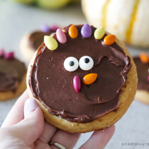 simple turkey sugar cookies diy how to tutorial recipe thanksgiving treat cute decorate kids