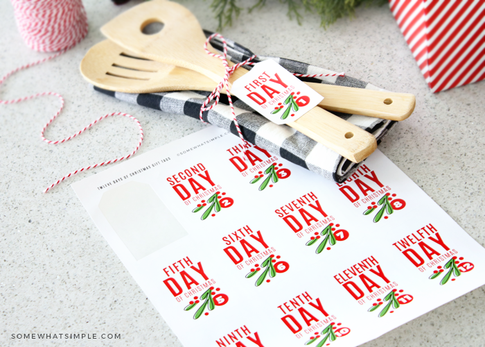 Free printable gift labels for Christmas