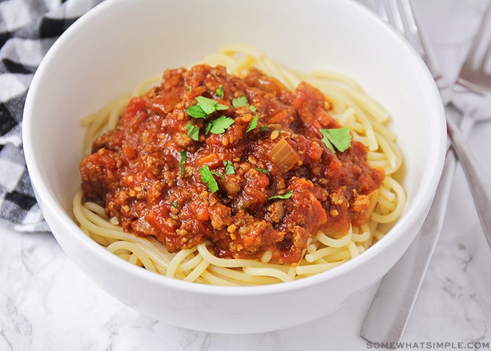 meat sauce on top of spaghetti