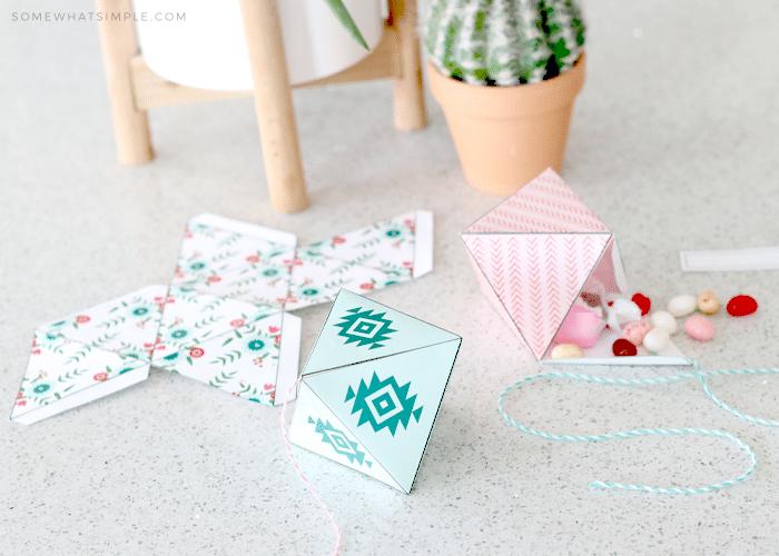 How to make DIY Paper Pinatas