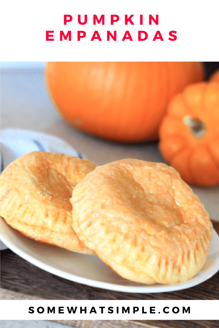 Pumpkin empanadas are a festive and filling Halloween dinner that are easy to make! These empanadas are filled with all of the delicious flavors of the classic Mexican dish but dressed up to look like a pumpkin. #pumpkinempanadas #halloweendinneridea #howtomakepumpkinempanadas #pumpkinempanadasmexican #easypumpkinempanadasrecipe via @somewhatsimple