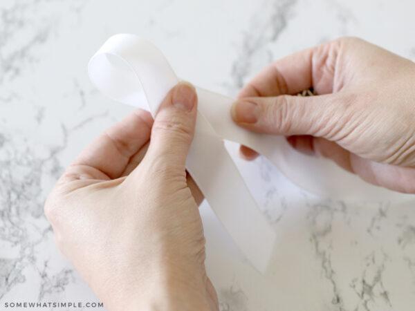 make a loop to make a hair bow