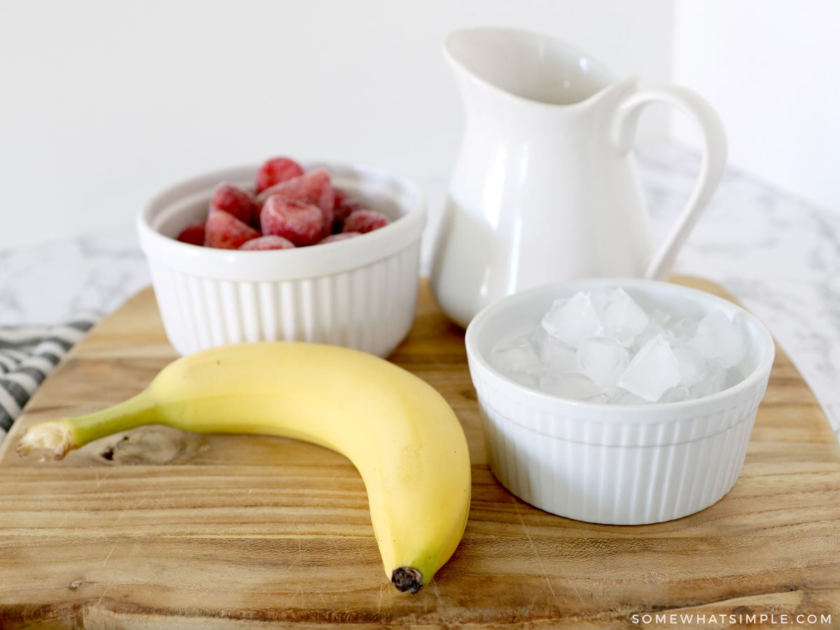 ingredients for strawberry banana smoothie