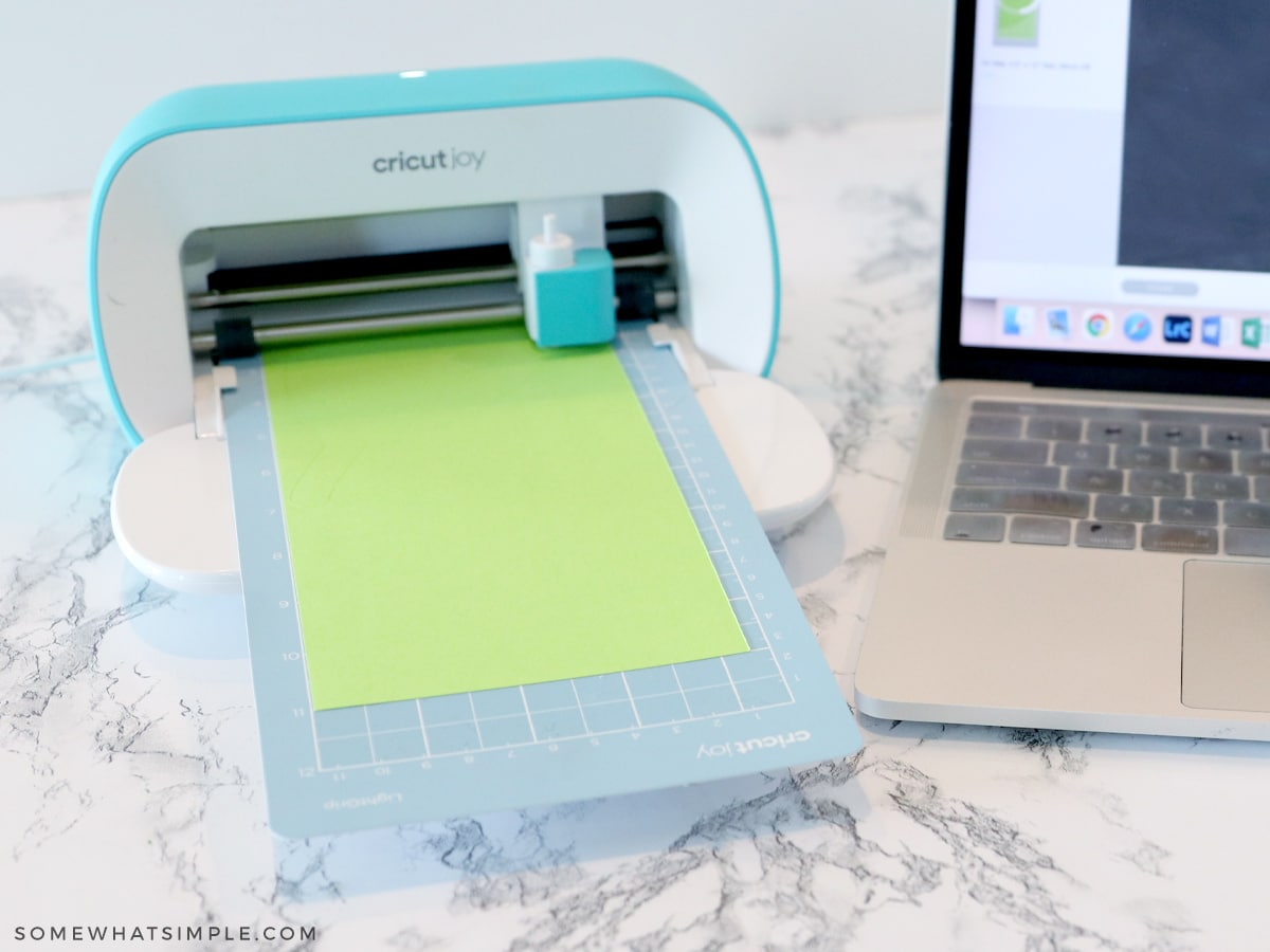 cutting green leaves with the cricut joy