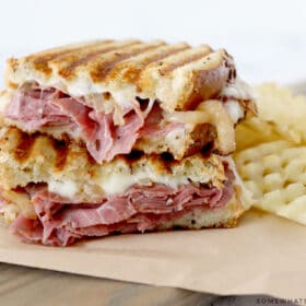 pastrami sandwich with waffle fries