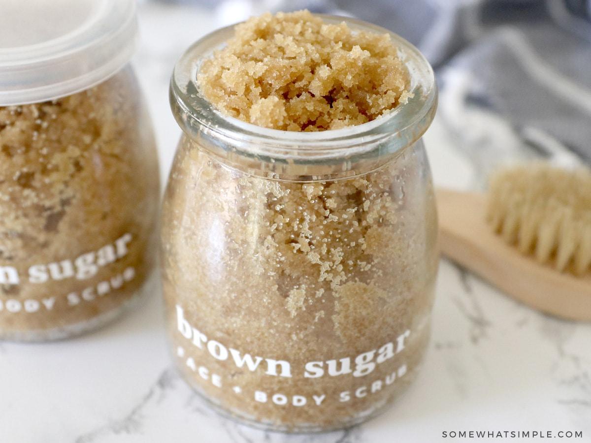 filling jars with sugar scrub